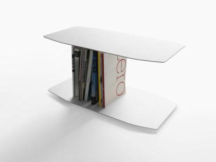 <b>Magic </b><br />Il tavolino-libreria Magic, disegnato per <br />Capo d&#8217;Opera, viene presentato al Salone del Mobile di Milano. Hall 16 Stand E 40. <br />17-22 aprile 2018.